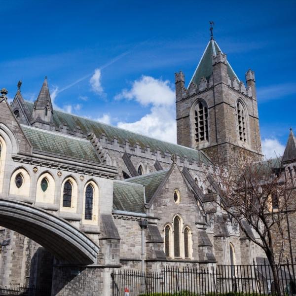 (Photo:) Christchurch Cathedral